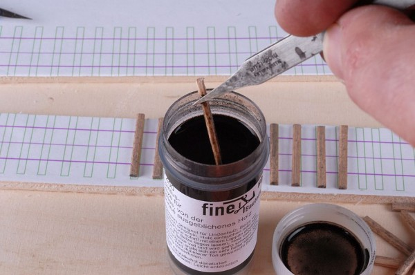 Spiritusbeize 100 ml für helles von der Sonne ausgeblichenes Holz