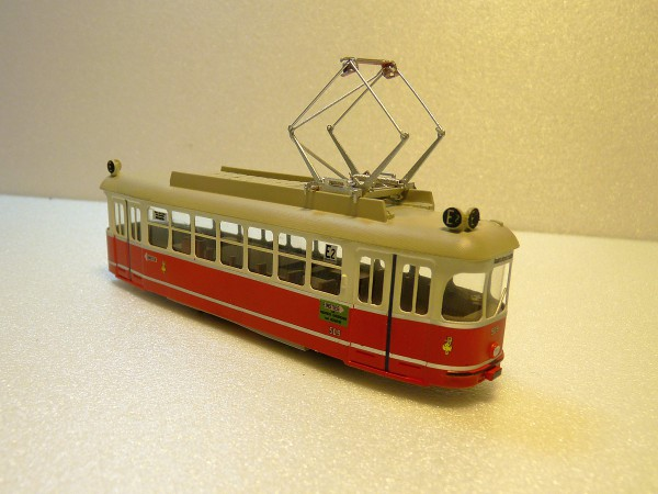 Wiener Straßenbahn Triebwagen L3/L4 Fertigmodell mit Motor 1:87 H0