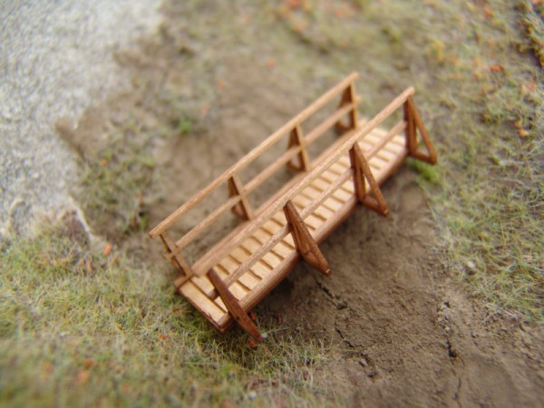 Holzbrücke, H0 gebaut, unlackiert