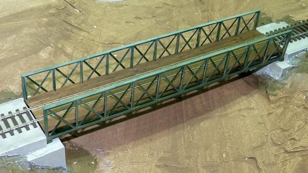 Typisch österreichische Eisenbahnbrücke H0 2 Höhen und 4 Längen