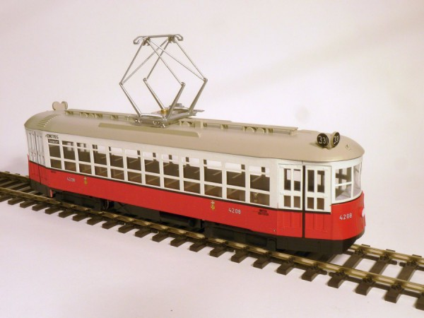Wiener Straßenbahn Type Z Fertigmodell (Motorisiert) Spur Null