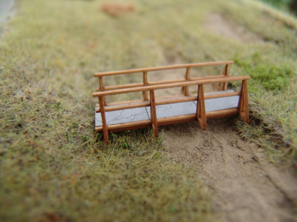 Holzbrücke mit Betonfeldern bausatz